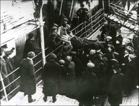 Injured Sealer, 4 April 1914